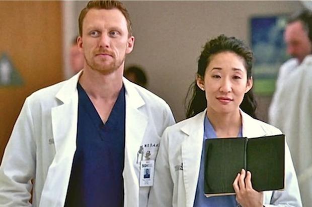 Dans Grey's Anatomy, les acteurs Sandra Oh et Kevin McKidd ont joué Cristina Yang et Owen Hunt (Photo: ABC)