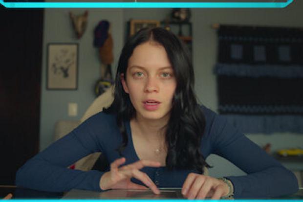 Malgré les menaces, Sofia ne s'arrête pas et continue d'enquêter (Photo : Netflix)