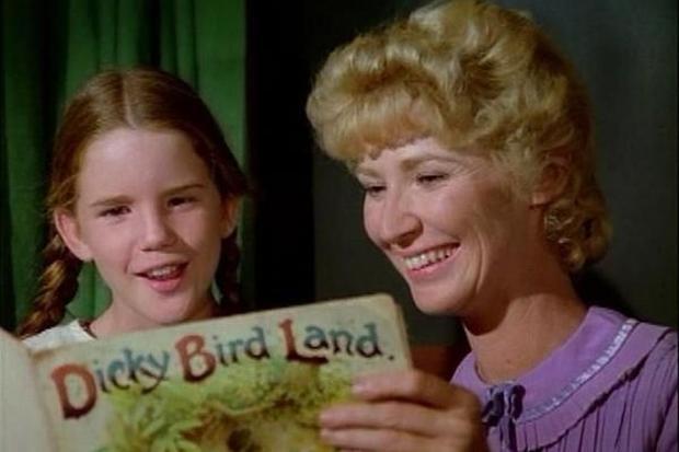 """Charlotte Stewart a joué Miss Beadle dans les quatre premières saisons de """"The Ingalls Family"""" (Photo: NBC)"""