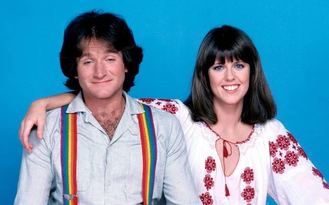 Williams et sa co-vedette Pam Dawber dans 'Mork & Mindy'.  Crédit : ABC