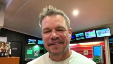 """Matt Damon révèle que sa fille l'a récemment inspiré à arrêter d'utiliser le """"f-slur"""""""