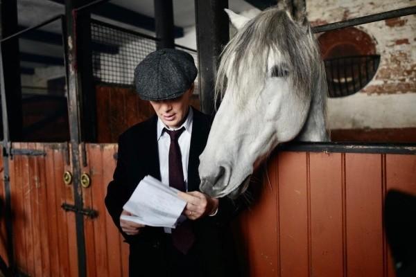 Les Peaky Blinders sont de retour pour une nouvelle saison.  Photo: (BBC)