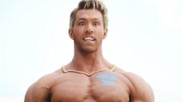 Ryan Reynolds Est Torse Nu Et Swole Dans Viral Free
