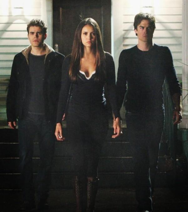 Stefan, Elena et Damon.  Photo: (La CW)
