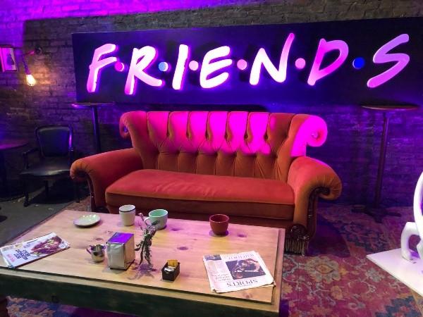 canapé central avantage amis