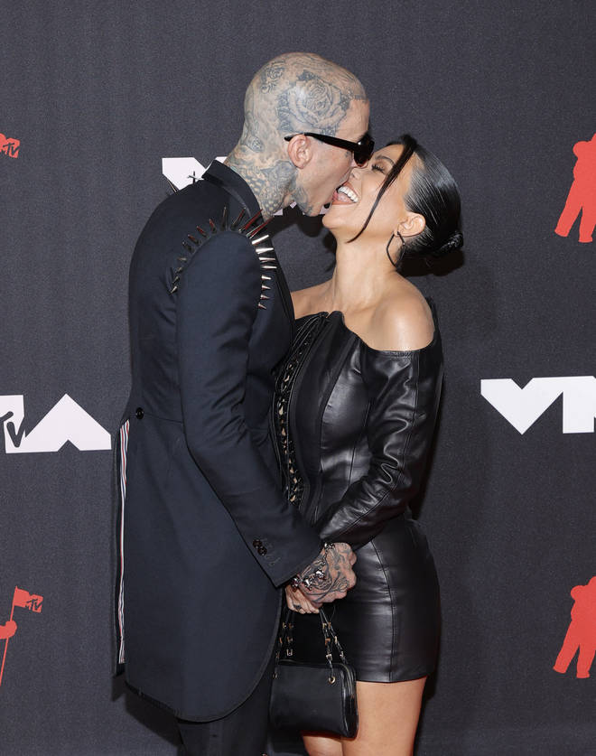 Travis Barker et Kourtney Kardashian assistent aux MTV Video Music Awards 2021