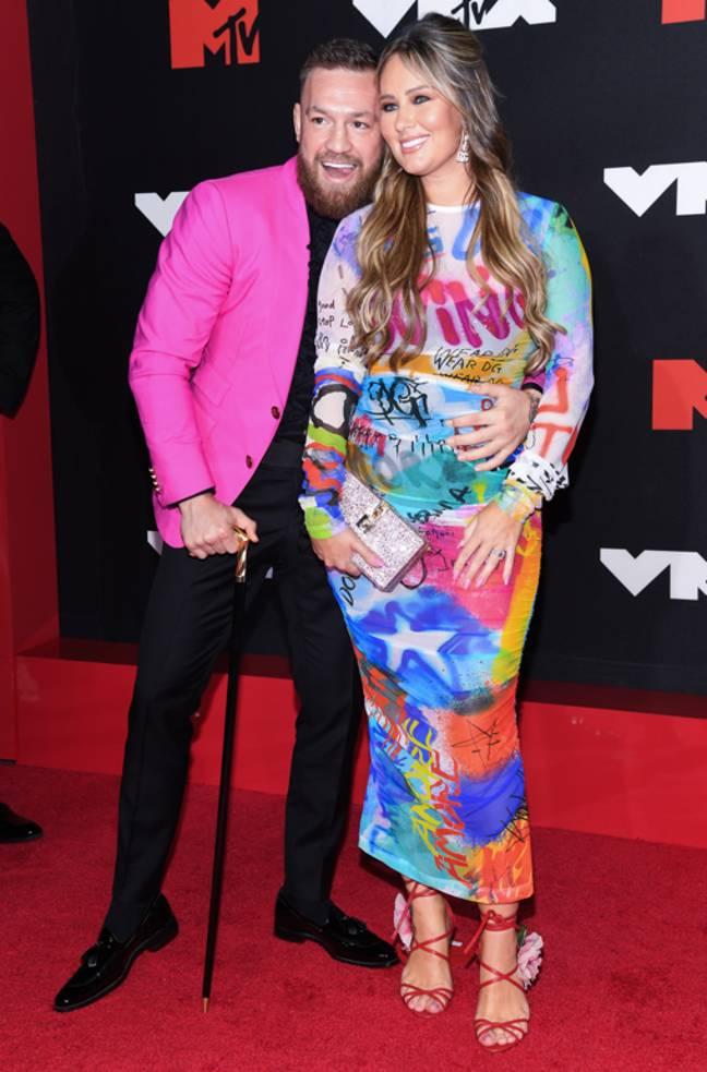 McGregor sur le tapis rouge des VMA avec son partenaire Dee Devlin.  Crédit : PA