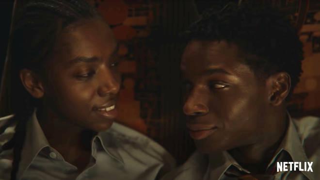 Jackson et Cal acceptent d'être amis dans la saison 3 de Sex Education