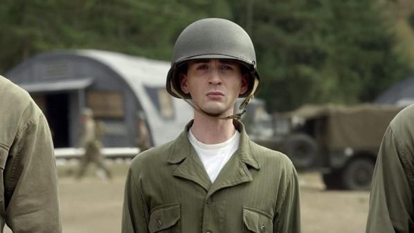 Steve Rogers à ses débuts.  Photo: (IMDB)
