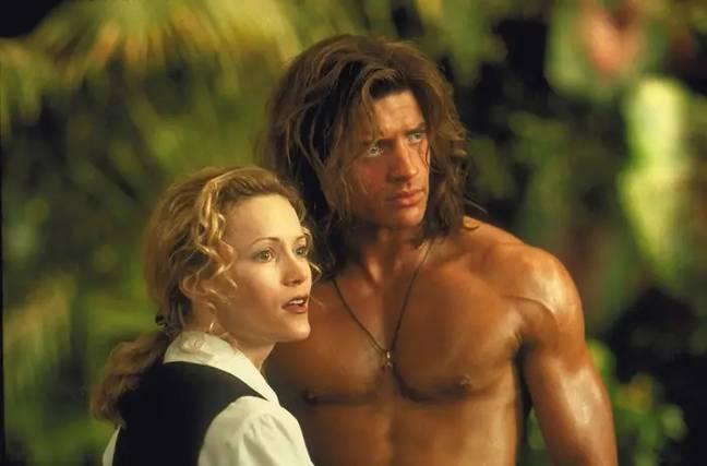 Brendan Fraser et Leslie Mann dans George de la jungle.  Crédit : Disney