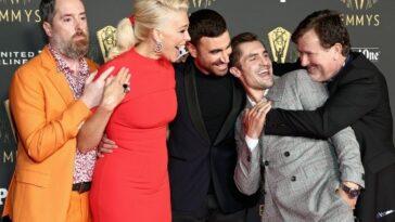 Voici à quoi ressemblent les célébrités sur le tapis rouge des Emmy Awards 2021