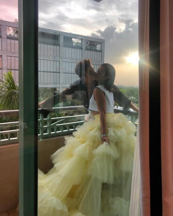 Shawn Mendes et Camila Cabello à l'avant-première.  Photo : (@shawnmendes)