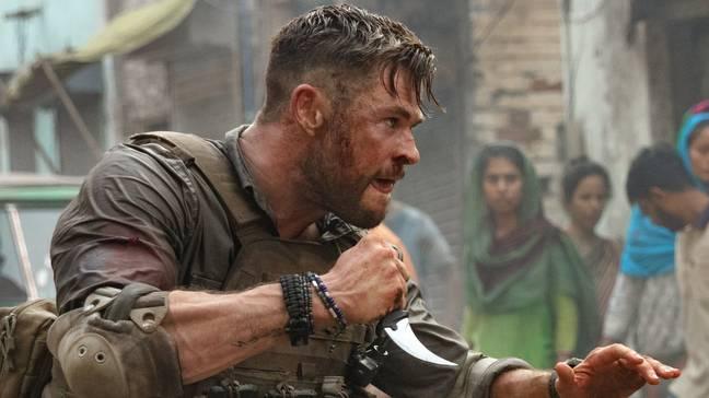 Chris Hemsworth dans Extraction.  Crédit : Netflix