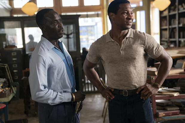 """Michael Kenneth Williams et Jonathan Majors dans """"Lovecraft Country"""" (Photo: HBO)"""