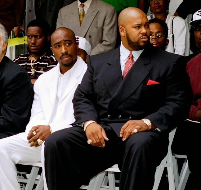 Tupac Shakur avec Suge Knight à Los Angeles.  Crédit : PA