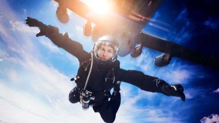 Le Parachutage De Tom Cruise Surprend Les Randonneurs Lors De