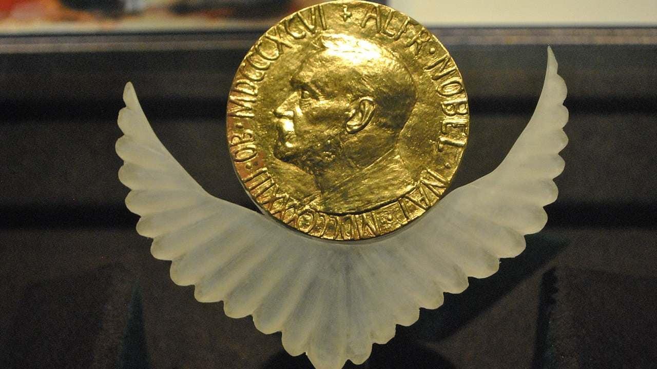 Le prix nobel de la Paix.  crédit image : ProtoplasmaKid / Wikimedia Commons