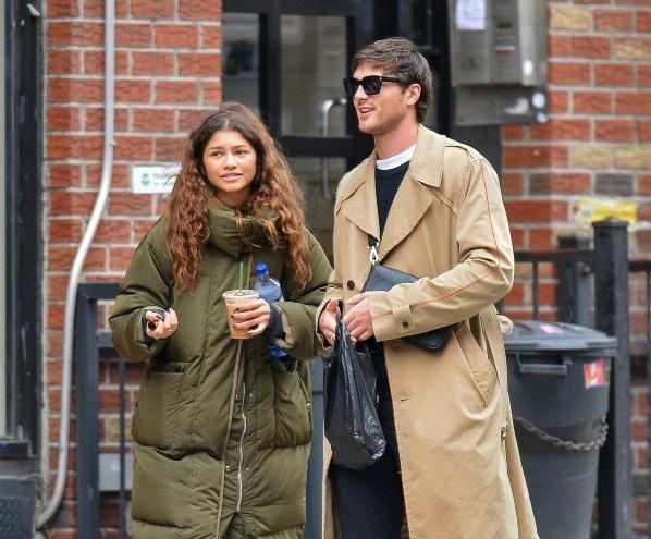 Jacob Elordi et Zendaya.  Photo: (Vainty Fair)
