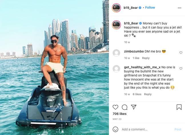 Stephen Bear posant avec son nouveau jet ski sur Instagram.  (Crédit: Instagram/@b19_8ear)
