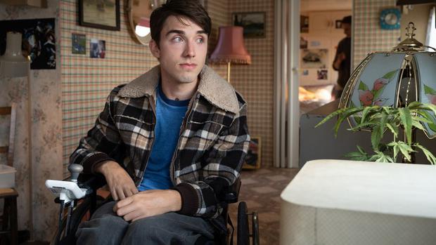 Isaac ne veut pas perdre Maeve, alors il a saboté sa réconciliation avec Otis (Photo : Netflix)