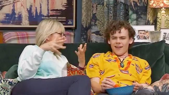 Zoe Ball et Woody sur Celebrity Gogglebox.  Crédit : Canal 4